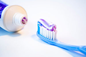 Does Toothpaste Heal Zits?
